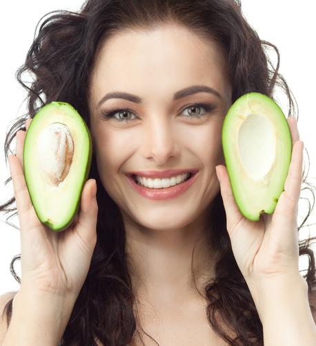 Fructul de avocado, o masca excelenta pentru par