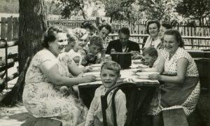Monica McGolrick in Romania Totul despre mame