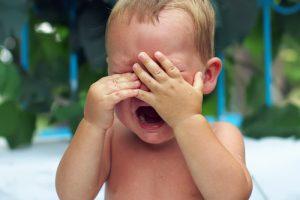 Sindromul copilului zgâlțâit bebeluș care plânge