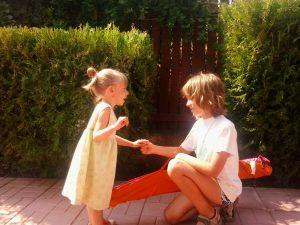 Fratii copiilor cu nevoi speciale / Totul despre mame
