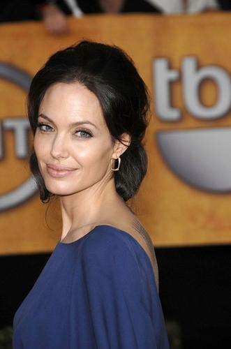 Angelina Jolie   Totul despre mame
