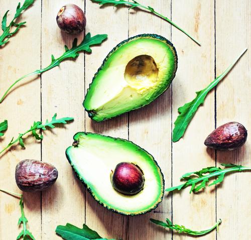 beneficiile fructului avocado masă