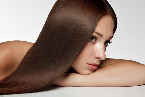 păr despicat femeie păr lung
