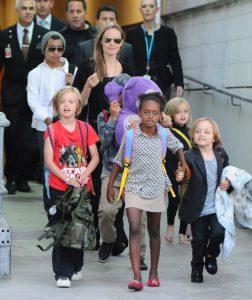 Angelina Jolie si Brad Pitt | Totul despre mame