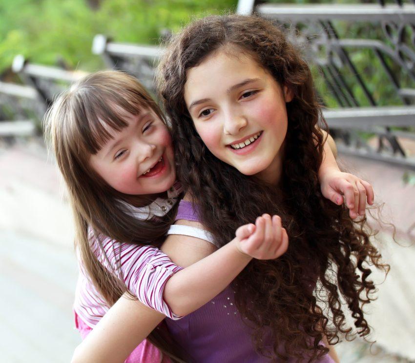 Fratii copiilor cu nevoie speciale la scoala / Totul despre mame
