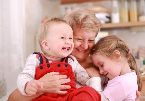 bunici sau bone fetițe