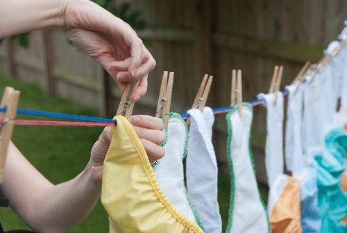 scutece textile la uscat pe sarma