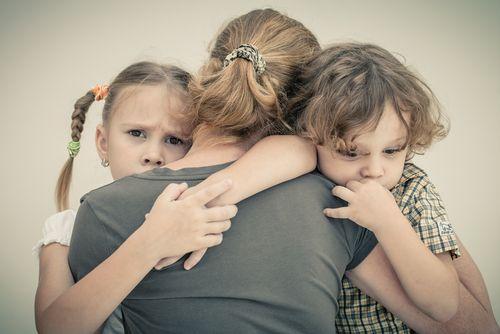 țipatul la copii familie