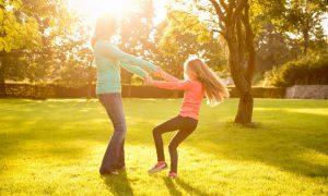 sa-te-bucuri-de-viata-ca-un-copil-totul-despre-mame
