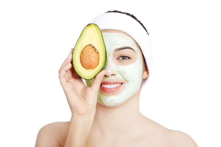 Masca pentru par uscat cu avocado