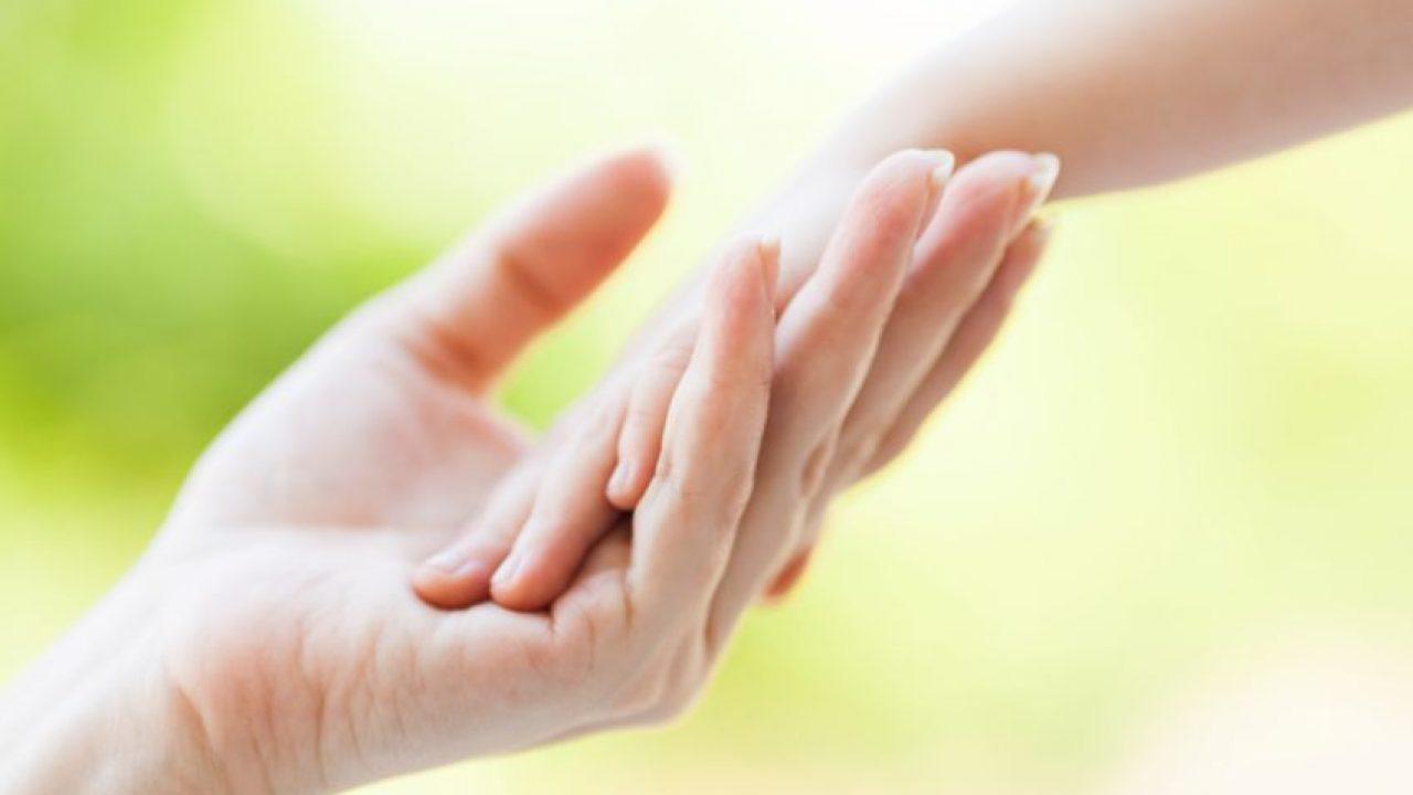 Remedii naturale pentru mâini crăpate și uscate - Totul Despre Mame