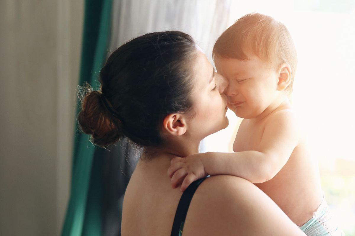 bebelus agitat totul despre mame