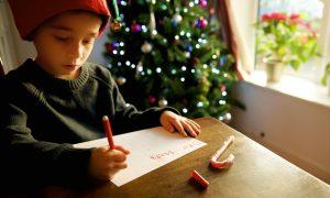 micuții au nevoie să creadă în Moș Crăciun