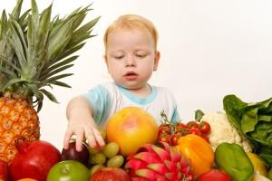 salată de fructe tropicale