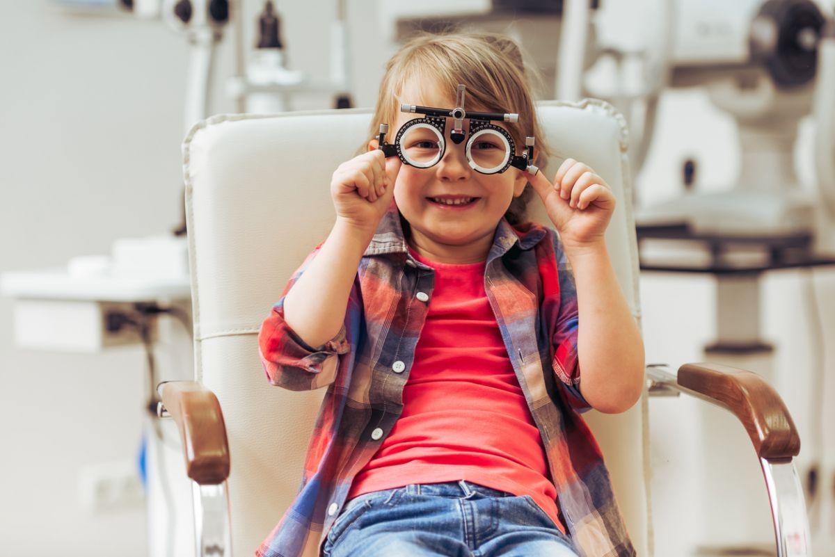 Imagini pentru copii la oftalmolog