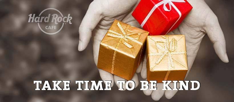 mici cadouri impachetate