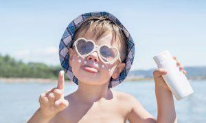 copil plaja crema