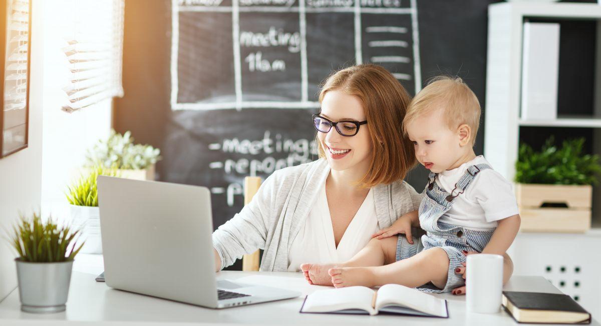 mama copil computer afacere