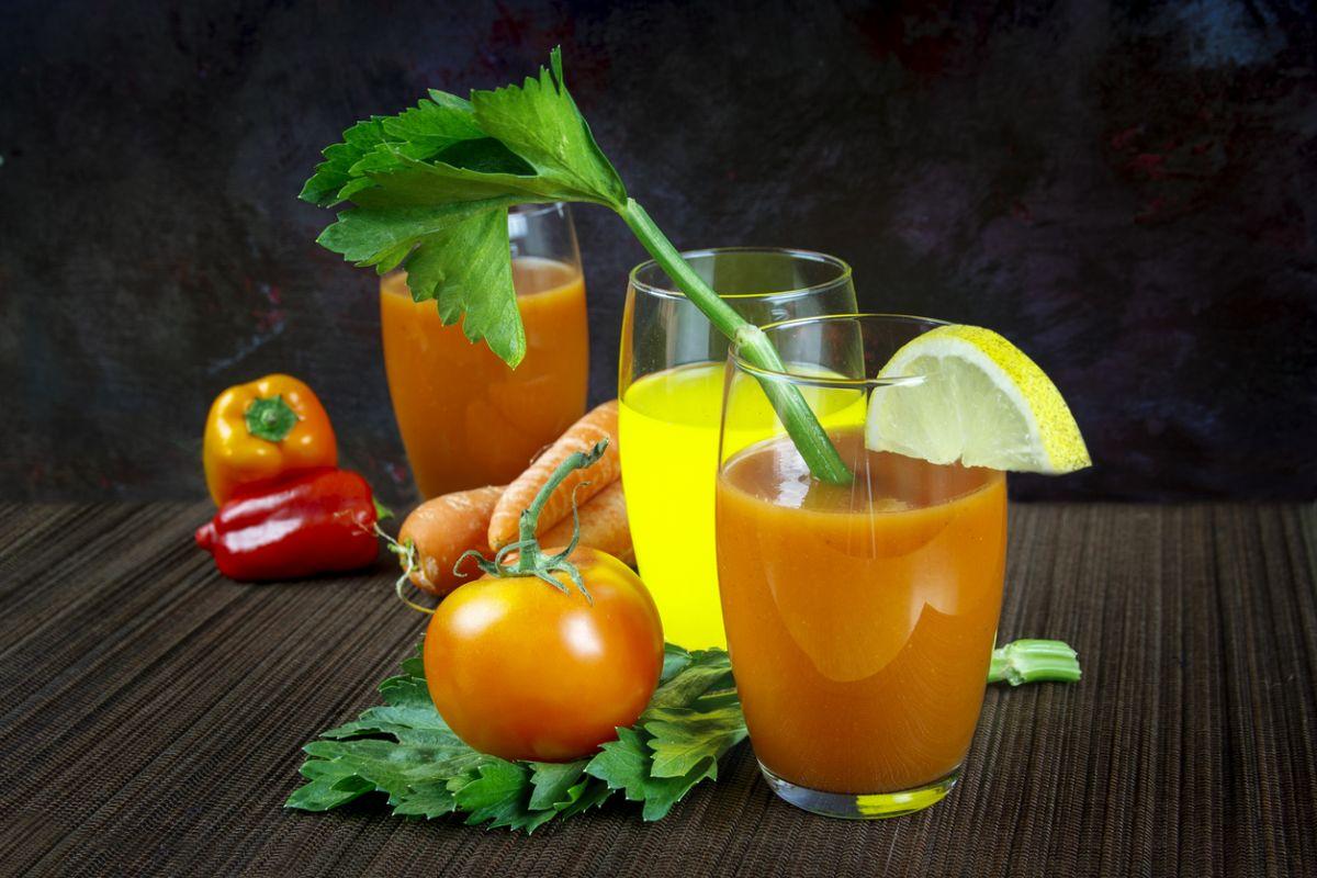 suc de morcovi cu roșii