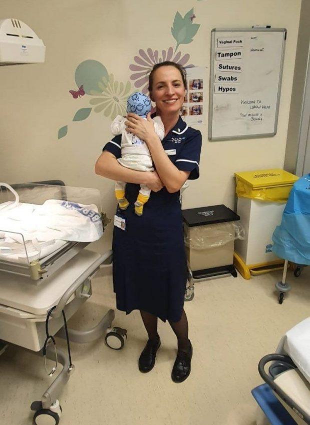 moașa Claudia Anghel la maternitate